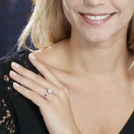 Bague Solitaire Charlene Or Blanc Diamant Synthetique - Bagues solitaires Femme | Histoire d'Or