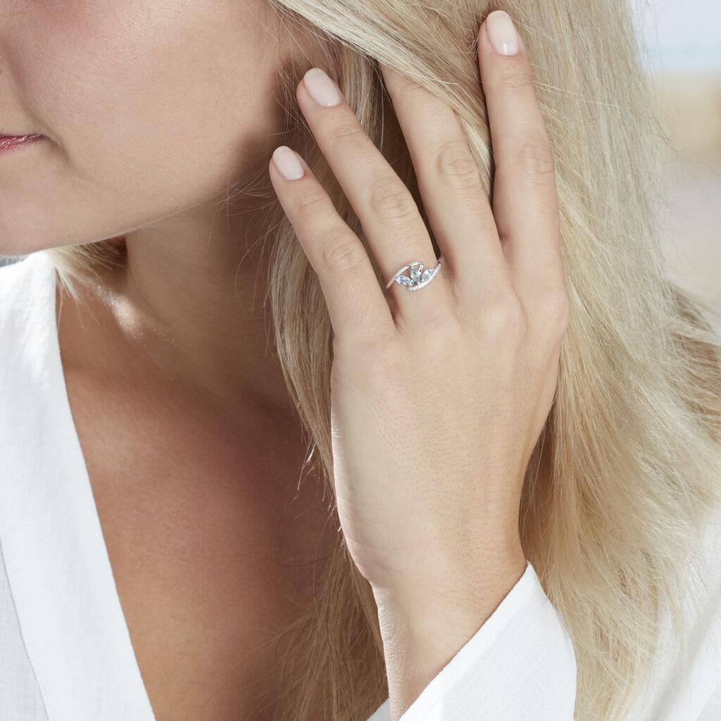 Bague Petale Or Blanc Topaze Et Oxyde De Zirconium - Bagues avec pierre Femme   Histoire d'Or