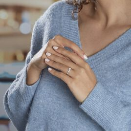 Bague Solitaire Accompagné Aramis Or Blanc Diamant Synthétique - Bagues solitaires Femme | Histoire d'Or
