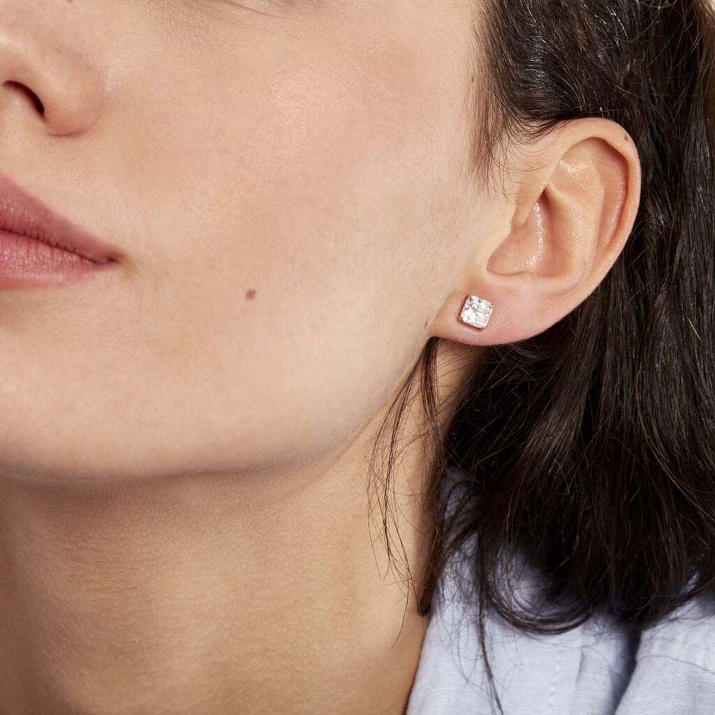 Boucles D'oreilles Puces Doreen Carre Or Jaune Oxyde De Zirconium - Clous d'oreilles Femme | Histoire d'Or