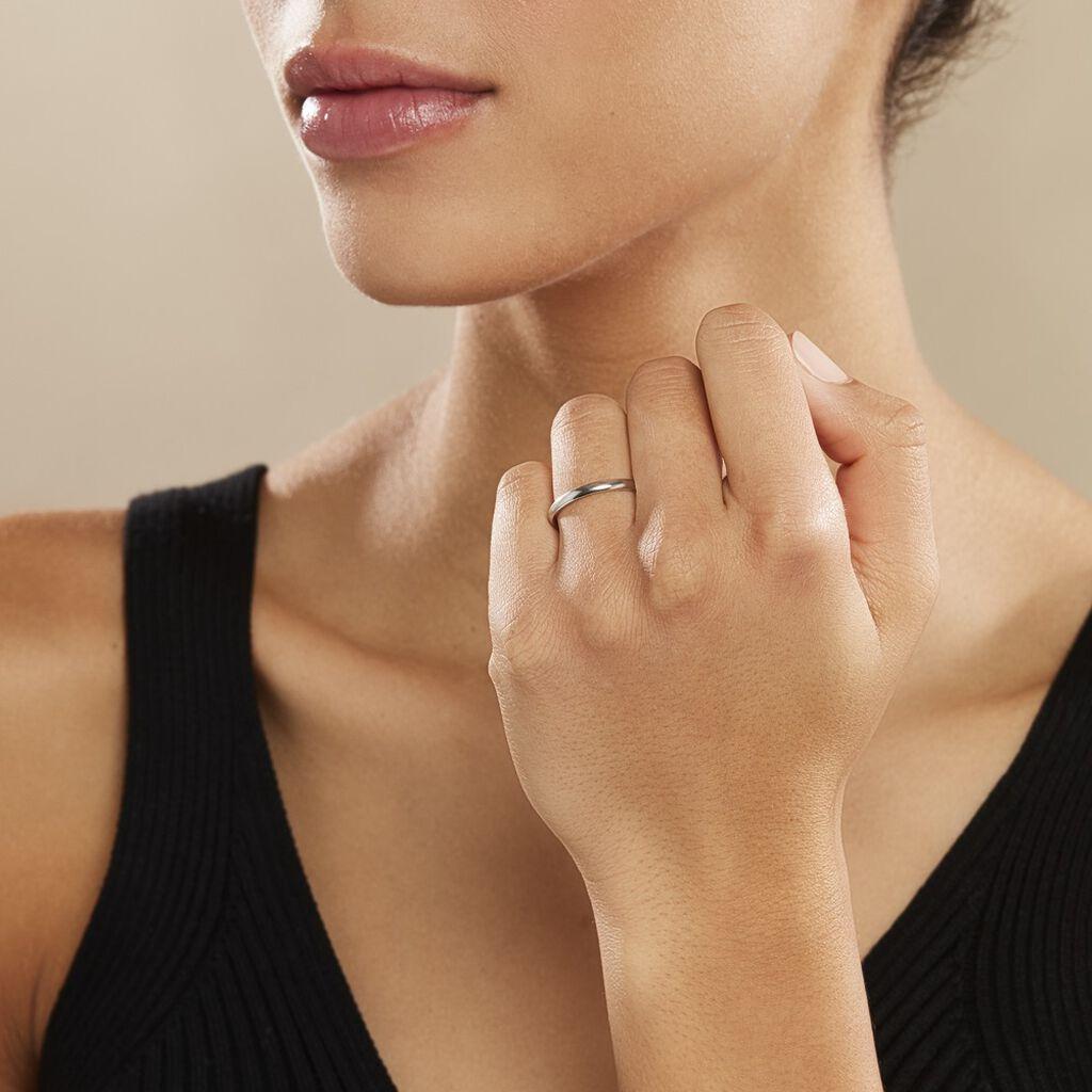 Alliance Aphrodite Demi Jonc Bombe Platine Blanc - Alliances Famille | Histoire d'Or