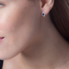 Boucles D'oreilles Puces Sagesse Or Blanc Saphir Et Diamant - Clous d'oreilles Femme | Histoire d'Or