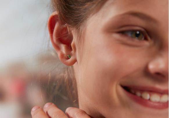 Boucle d'oreille fraise