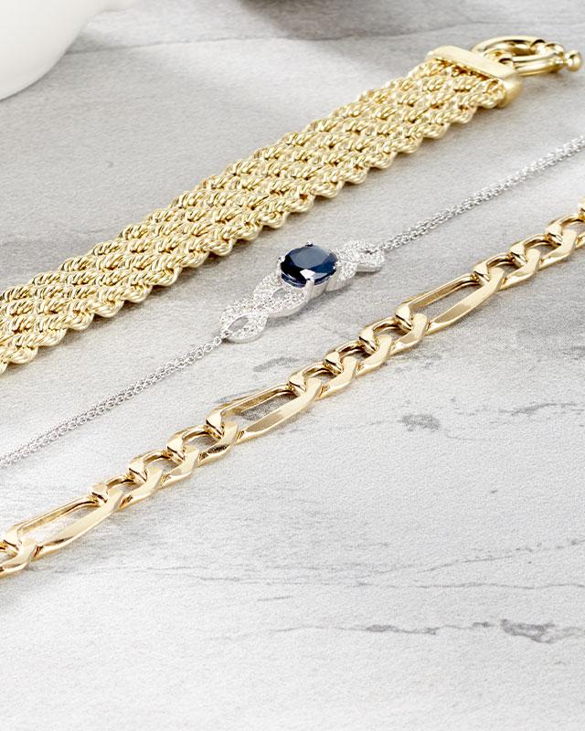 Bracelets Plus de 200€